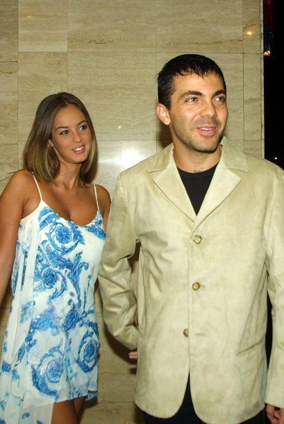 Cristian se divorció de Gaby 11 meses después de su boda.