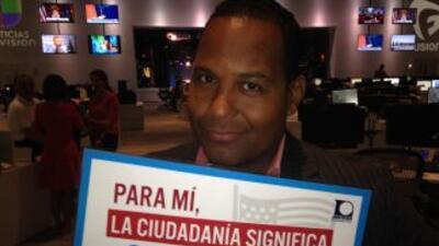 Talentos y trabajadores de la Cadena Univision nos dicen en una palabra...