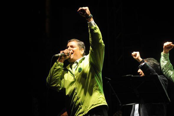 Rafael Correa, presidente de Ecuador, tuvo éxito en su referéndum. Con e...