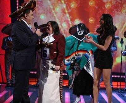 ¡Ajúa! A la mexicana y con sombrero de charro, Don Francisco le hizo com...