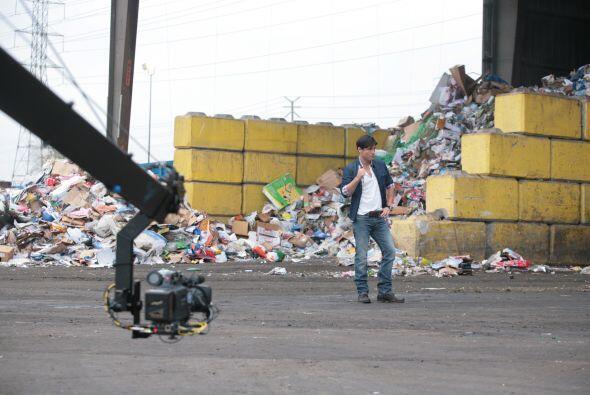 Podría decirse que esta toma es una basura, o que el lugar apesta... ¡y...