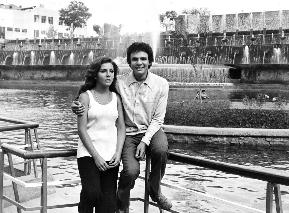 José José y Verónica Castro en la época en q...