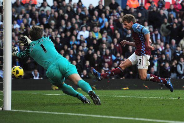 Parecía que la victoria se la llevaba el Aston Villa pero no pudi...