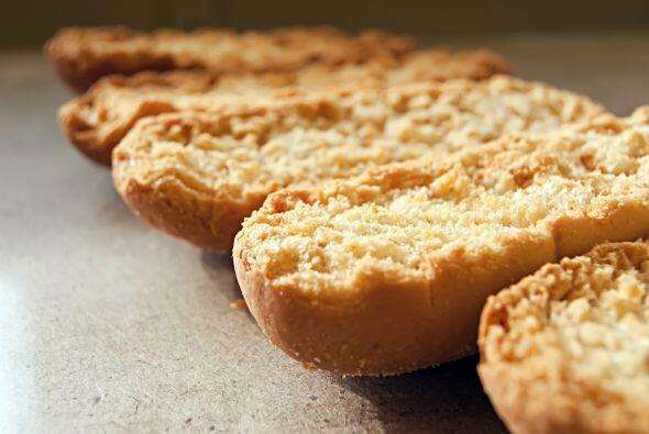 Pan tostado  El pan tostado, aún integral, es una especie de cere...