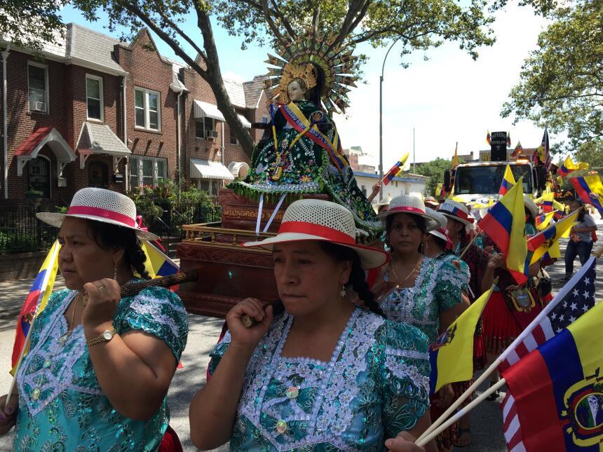 Los santos de Ecuador son venerados por los inmigrantes en NYC
