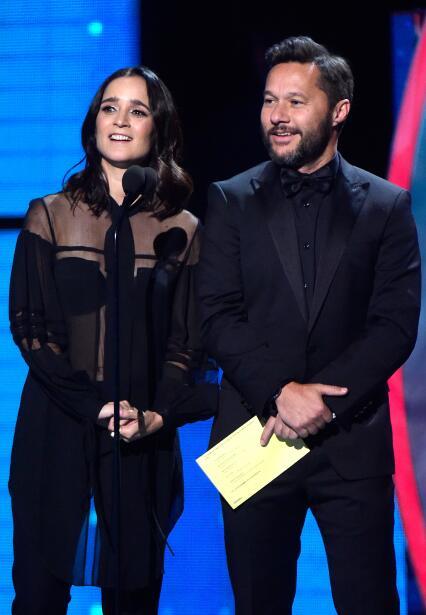Julieta Venegas y Diego Torres fueron los encargados de entregar el Prem...
