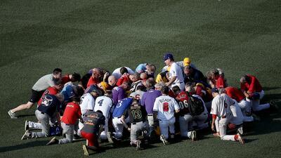 Las imágenes del partido de béisbol entre congresistas tras el ataque que dejó en estado crítico a Scalise