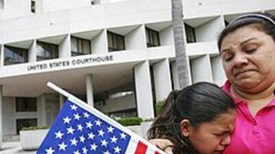 """Diario denuncia """"cuotas"""" de deportación y afirma que quieren expulsar 40..."""