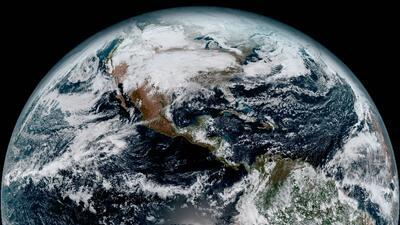 NASA comparte las primeras imágenes espectaculares de su nuevo satélite meteorológico