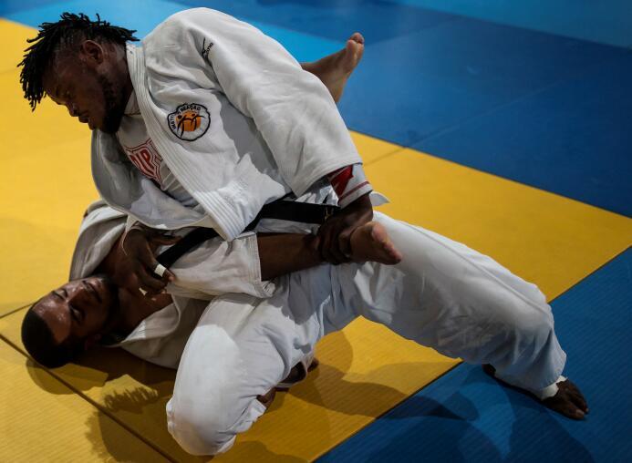 Misenga comenzó a competir por su país de origen, pero cada vez que perd...