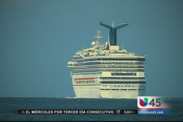 Y zarpó de nuevo desde Galveston el crucero Carnival Triumph, que en feb...