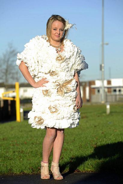 La novia de 46 años de edad, no tuvo que gastar los millones en un vesti...