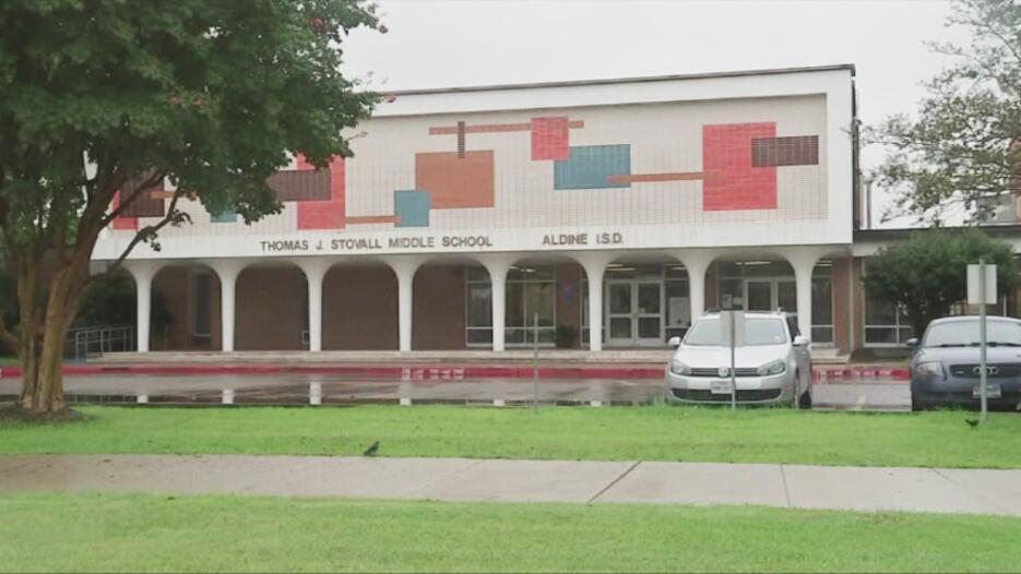 La exmaestra texana,Alexandria Vera, acusada de abuso sexual agravado a...