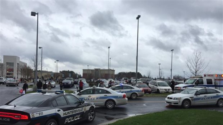 Un hombre armado es abatido en un centro comercial en Carolina del Norte...