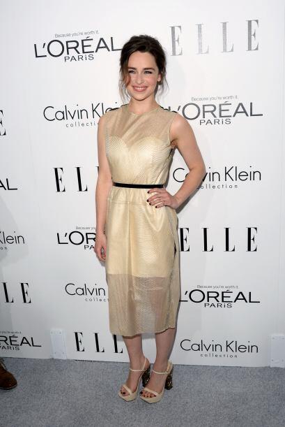 Emilia Clarke deslumbró con este vestido con trasparencias de Cal...