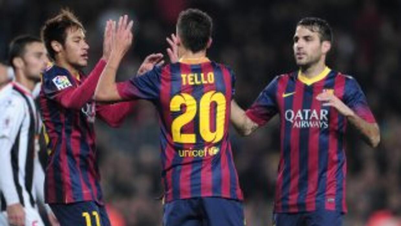 Neymar y Tello (a la izquierda) se hicieron presentes entre los anotador...
