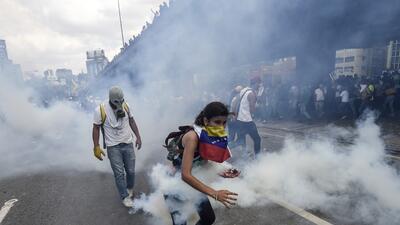 En fotos: las mujeres en primera línea de fuego en las protestas de Venezuela
