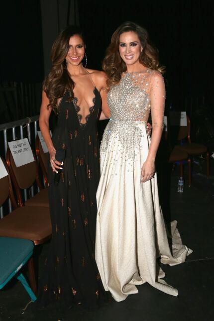 Roselyn Sanchez y Jacqueline Bracamontes