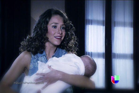 Y Macaria se convirtió en su madre.