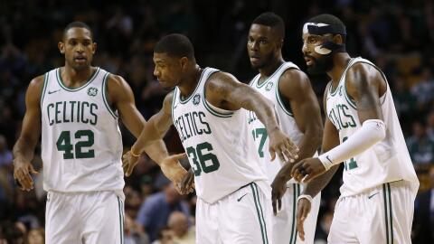 Boston dominó a los 76ers con gran actuación de Irving y H...