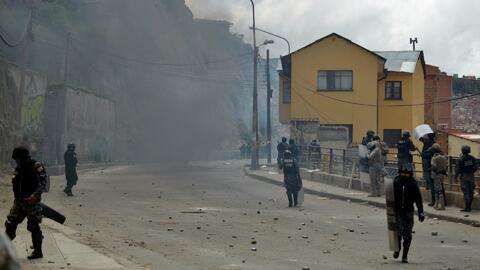 Con gases lacrimógenos y balas de goma, manifestantes son reprimidos en...