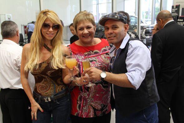 Jose y Roxy celebraron los 45 años de Toyota of South Florida en una sup...