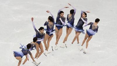 Pura belleza y elasticidad: las mejores imágenes de las competidoras del patinaje artístico femenino