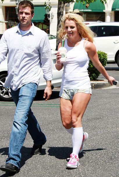 Cualquier mujer en su lugar saldría a la calle con las piernas más tapadas.