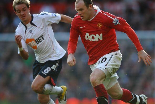 Manchester United enfrentó al Bolton con la obligación de ganar para seg...