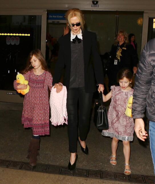 Nicole Kidman arrives at LAX with her daughters Sunday Rose and Faith Ma...