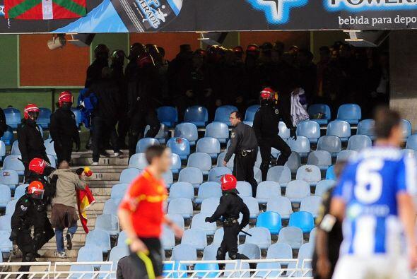 Lo lamentable del partido fue la pelea entre hinchas de ambos equipos. h...