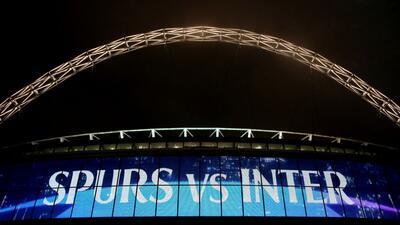 El colorido y festivo ambiente en Wembley para el Tottenham vs Inter de Milán de Champions
