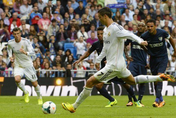 El árbitro compró el 'piscinazo' y Ronaldo cobro.