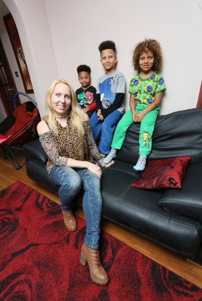 Su vida agotadora al cuidado de sus tres hijos la llevó por el camino de...
