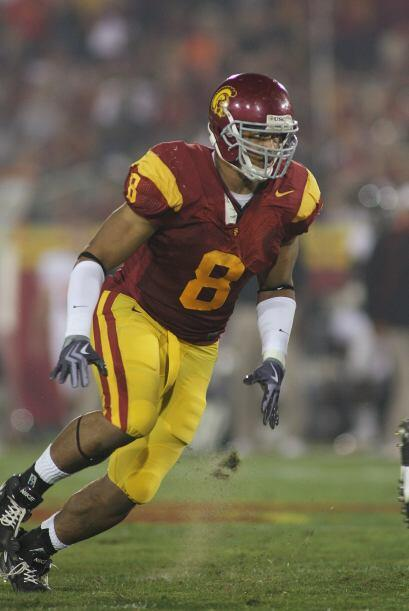 Alas defensivas: Empatado 5. Nick Perry, USC - Altura: 1.91 m - Peso: 11...