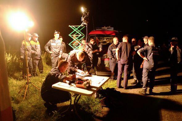Socorristas en el sitio del accidente cerca de la ciudad de Shaktarsk.