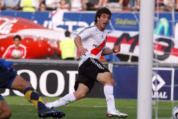 Gonzalo Higuain antes de hacer goles con Real Madrid los hacía con River...