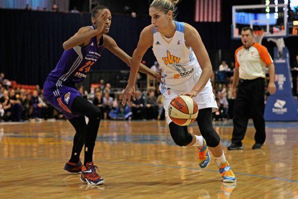 En la WNBA, las chicas del Phoenix Mercury se enfrentaron en las finales...