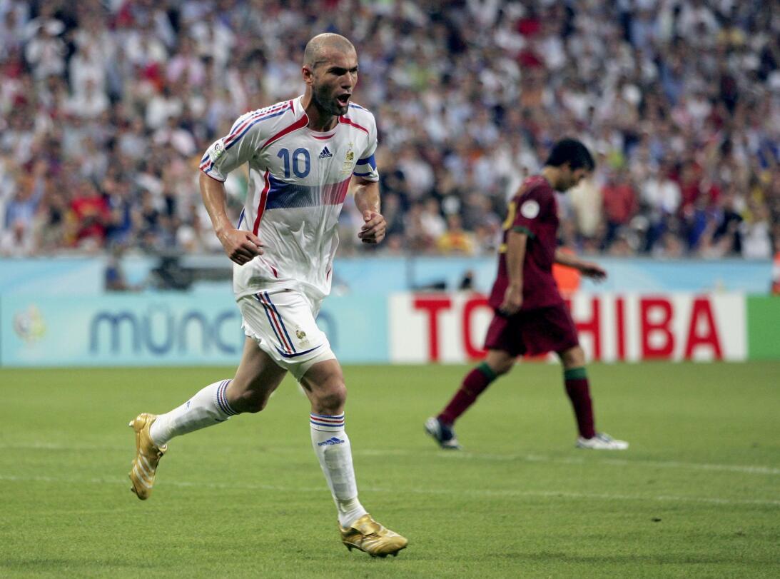 Calvos con brillo propio en el fútbol mundial GettyImages-71374532.jpg