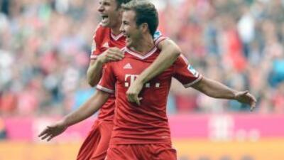 Mario Goetze celebra su gol contra el Hertha.