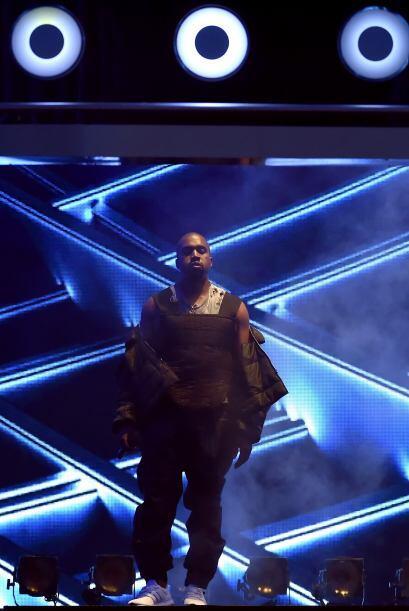 Y aunque no a todos haya convencido la actuación de Kanye, el rapero de...