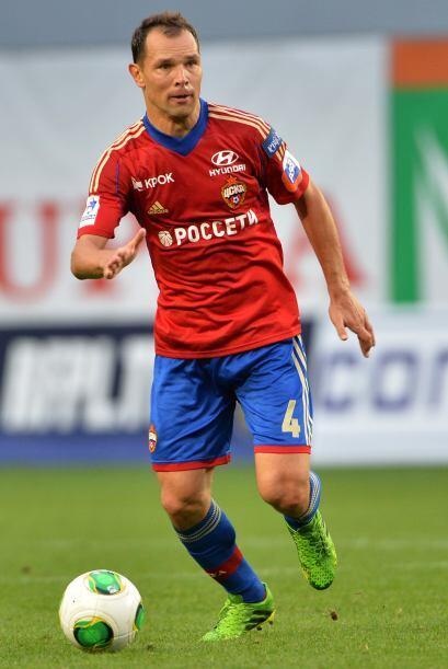 Sergei Ignashevich.- Es el jugador más experimentado del equipo con 34 a...