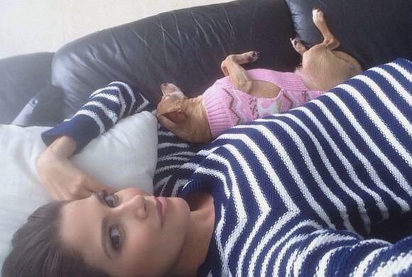 Ana aprovechó para tomar un descanso con sus amores. (Noviembre 18, 2014)