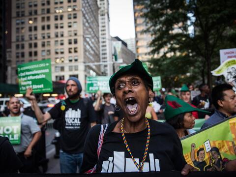 Protestan exigiendo opciones de vivienda más asequibles para los...