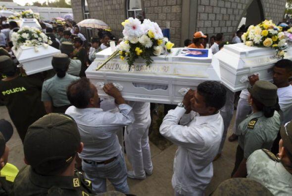 """Más tarde, los pequeños fueron sepultados en el """"Parque Cementerio Ángel..."""