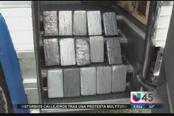 Diez supuestos miembros de una banda musical fueron detenidos en Houston...