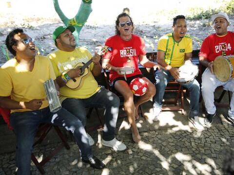 Carlos Vives sigue con su campaña en la Copa del Mundo y tal como...