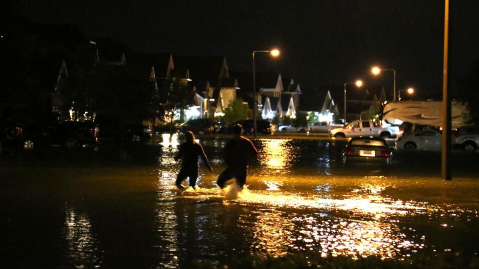 Huracán Harvey se aproxima a la costa de Texas minuto a minuto | Huracán...