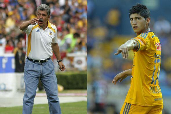 Alan Pulido Vs. Ricardo Ferretti. Desde el 2012 el técnico de Tigres, Ri...