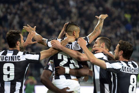 El andino marcó de penalti el tanto de la victoria sobre el Milan...